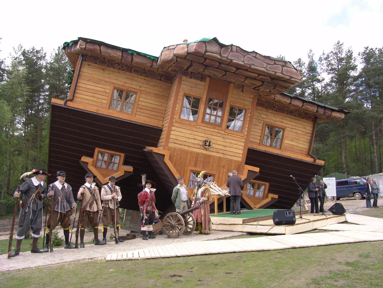GERARD® Corona Charcoal UPSIDE DOWN HOUSE, POLAND UPSIDE DOWN HOUSE, POLAND